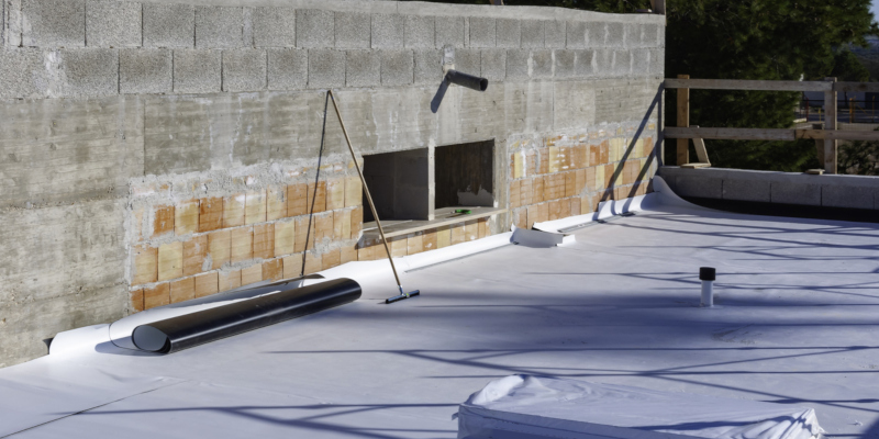 Flat Commercial Roofs: Comparing Three Common Roofing Materials